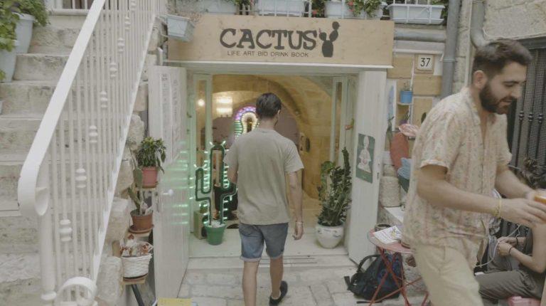 Imagen del video corporativo del bar cafe Cactus