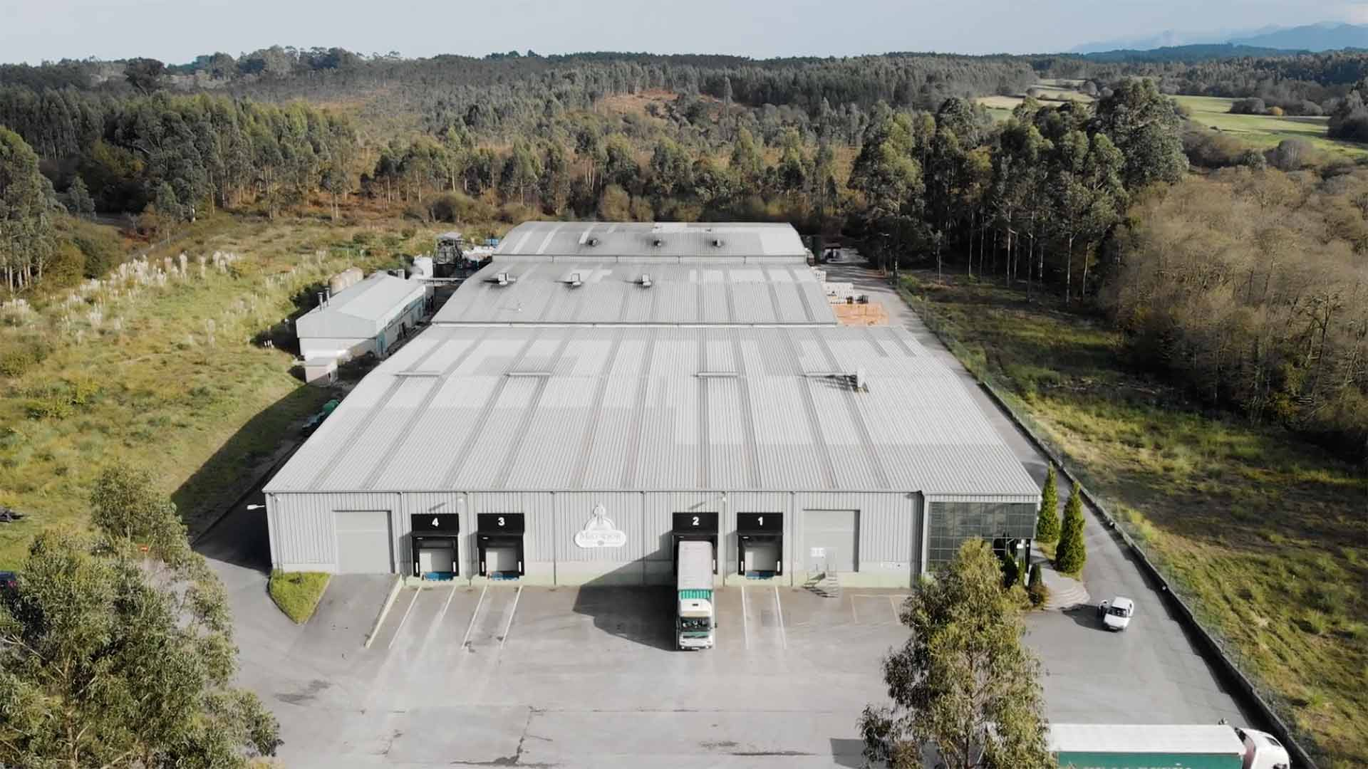 Imagen del video corporativo de la fabrica mayador